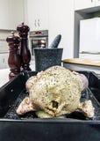 Мозол-поданный цыпленок готовый для того чтобы зажарить в духовке Стоковое фото RF