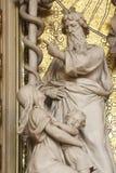 Моисей поднимает вверх латунный змея Стоковая Фотография RF