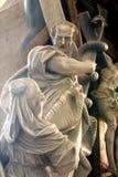 Моисей поднимает вверх латунный змея Стоковые Изображения RF