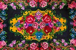 Молдавский национальный сплетенный ковер, орнамент с розами цветков Стоковое Изображение RF