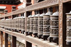 Молитве колес город внутри старый Катманду стоковые фотографии rf