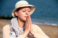 Молить женщины стоковые изображения rf