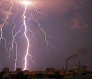 молния города болта сверх Стоковое Изображение