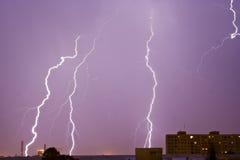 молния города над горизонтом Стоковое фото RF