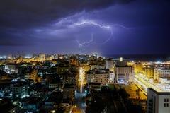 Молния увиденная в городе Газа стоковая фотография rf