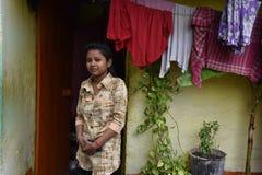 Молодая девушка трущобы Kolkata стоковое изображение