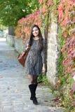 Молодая женщина в осени Стоковые Фото