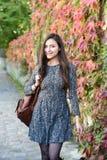 Молодая женщина в осени Стоковое фото RF