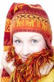 Молодая женщина в этническом шлеме Стоковое Изображение