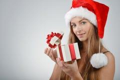 Молодая женщина в Santa Claus Стоковые Изображения RF