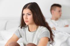 Молодая женщина дома после ссоры с супругом Стоковые Изображения