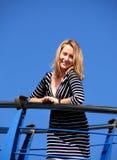 Молодая женщина на яхте Стоковое Фото