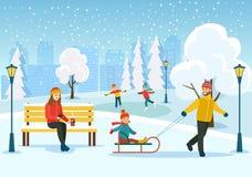 Молодая женщина ослабляя на стенде, счастливый человек с детьми sledding в парке зимы иллюстрация штока