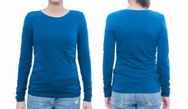 Молодая женщина с пустыми голубыми рубашкой, фронтом и задней частью С clippin Стоковое Фото