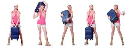 Молодая женщина с чемоданом готовым на праздник пляжа Стоковое Изображение RF