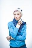 Молодая кавказская девушка в одежде зимы Стоковые Изображения