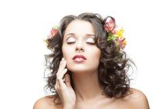 Молодая красивейшая девушка брюнет стоковые фотографии rf