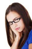 Молодая унылая женщина, имеет большие проблему или нажатие стоковые изображения