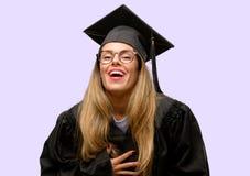 Молодой красивый постдипломный студент женщины стоковая фотография rf