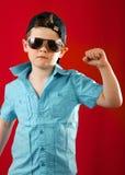 Молодой кулачок руки содержания мальчика Стоковая Фотография