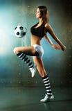Молодой сексуальный футболист стоковое фото rf