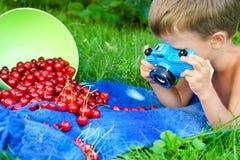 Молодой фотограф стоковое изображение rf
