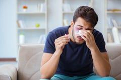 Молодой человек беря излечивать дома после носа пластической хирургии стоковые фотографии rf