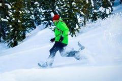 Молодой чернокожий человек в зиме Стоковая Фотография