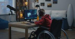 Молодой gamer отключения акции видеоматериалы