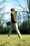 молодость качания игрока в гольф Стоковые Изображения