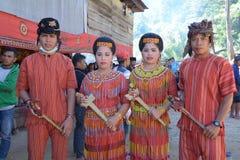 Молодость одетая в таможнях Toraja Стоковые Изображения RF