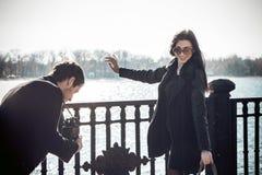 Молодые пары на идти праздника Стоковое фото RF