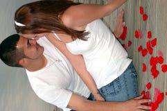 Молодые пары на стыковке Стоковое Изображение