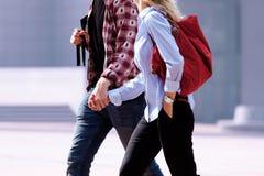 Молодые пары. Человек и женщина после работы. Стоковое Изображение