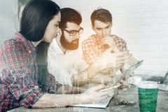 Молодые euroean предприниматели в встрече Стоковые Фотографии RF