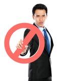 Молодым знак бизнесмена запрещенный удерживанием стоковые изображения