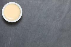 Молоко в сцене чашки Стоковая Фотография RF