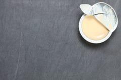 Молоко в сцене чашки Стоковые Изображения RF