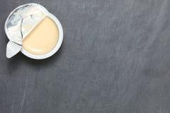 Молоко в сцене чашки Стоковое фото RF