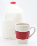 молоко галлона чашки Стоковое Изображение