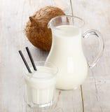 молоко кокоса Стоковые Изображения