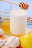 молоко меда стоковое изображение