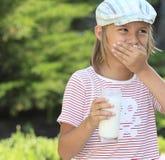 молоко стекла мальчика Стоковые Изображения