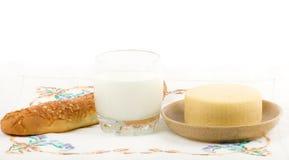 молоко сыра хлеба Стоковая Фотография