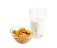 молоко хлопий для завтрака стеклянное здоровое Стоковые Фото