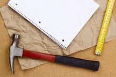 Молоток и измеряя лента Стоковые Изображения