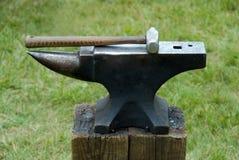 молоток s blacksmith наковальни Стоковое Изображение RF