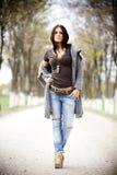 Молодая женщина в парке Стоковые Фото