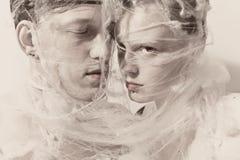 Молодые любовники в сети Стоковое фото RF