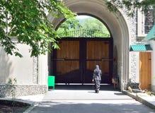 Монастырь двора стоковая фотография